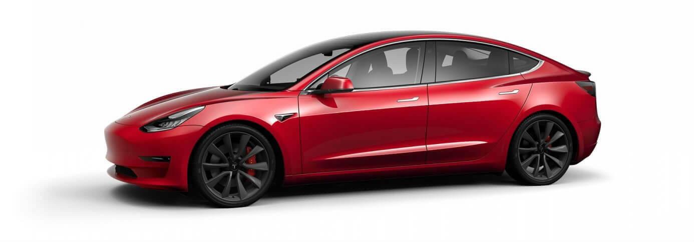 Tesla Model 3 sur le côté